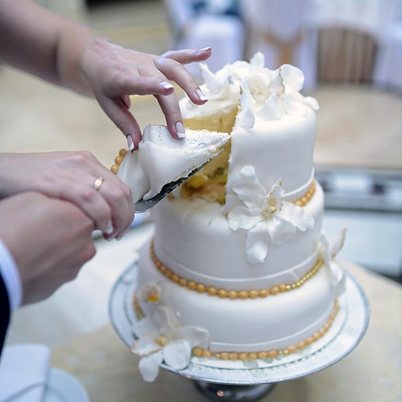 Wedding Cake Charms Serve Touching Keepsakes