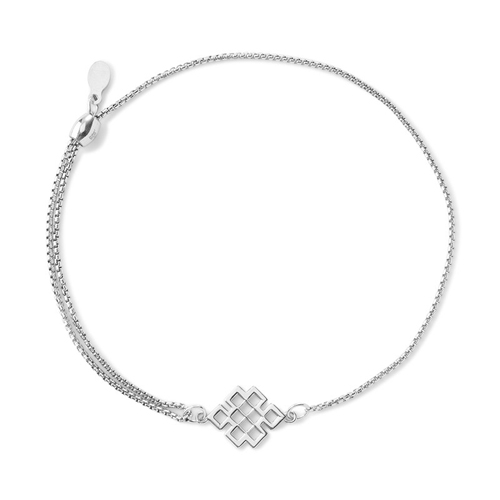 Celtic knot bracelet in silver.