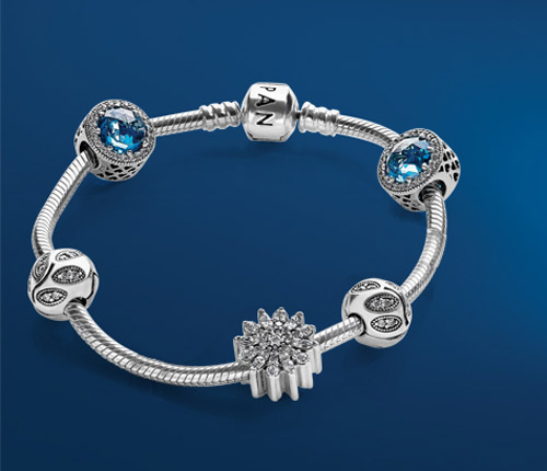 Pandora bracelet in silver from the Winter Collection.