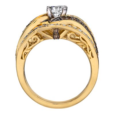 This ring features both white and Chocolate Diamonds.