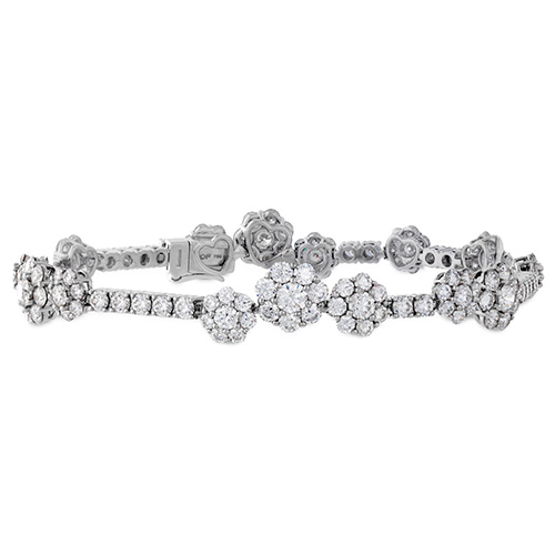 Hearts of Fire creates many bracelets that feature lots of diamonds.