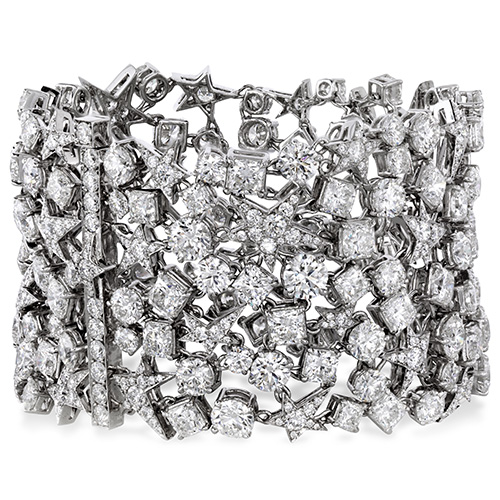 This Hearts on Fire diamond bracelet is like none other.