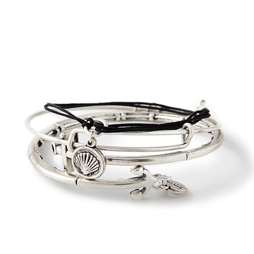 This set of bangles is in silver color.