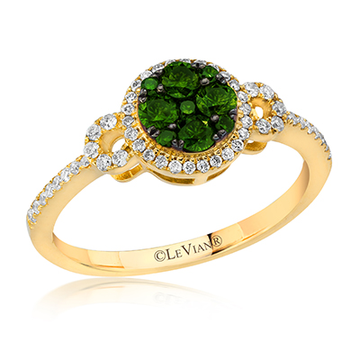 Le Vian creates beautiful engagement rings in all colors of diamonds.