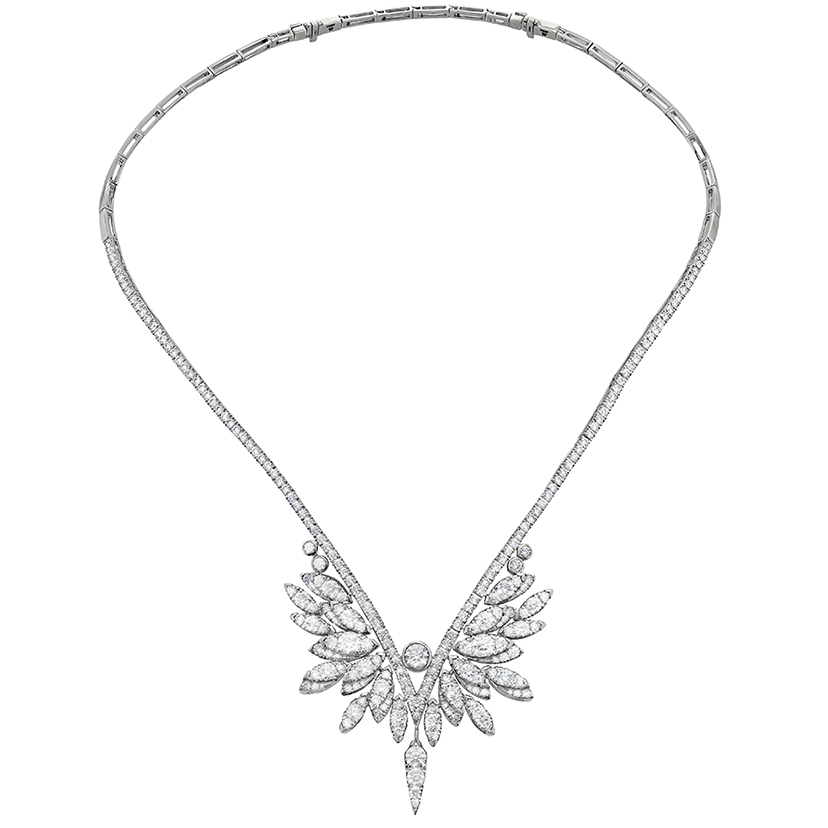A beautiful necklace made with real white gold.
