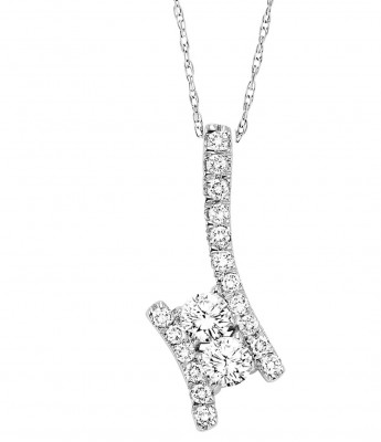 Ladies Round Cluster Diamond Diamond Necklace